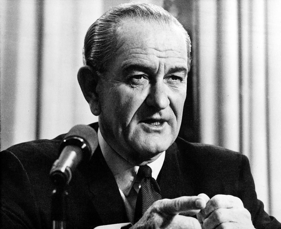 Л. Джонсон заявляет об отставке 31.03.1967