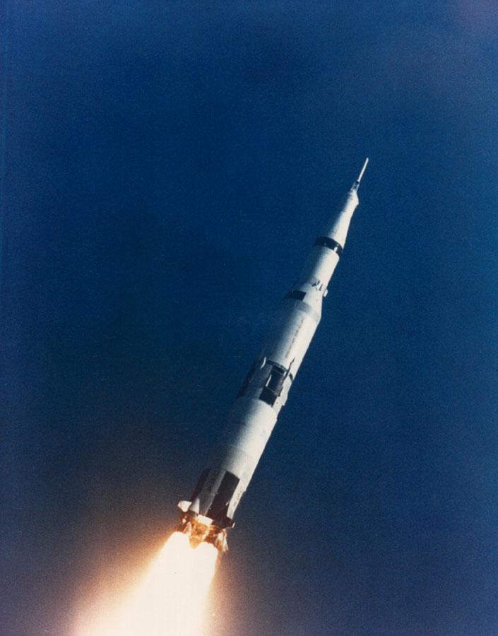 """""""Лунный ракетоноситель"""" Сатурн-5 на испытаниях 04.04.1968"""