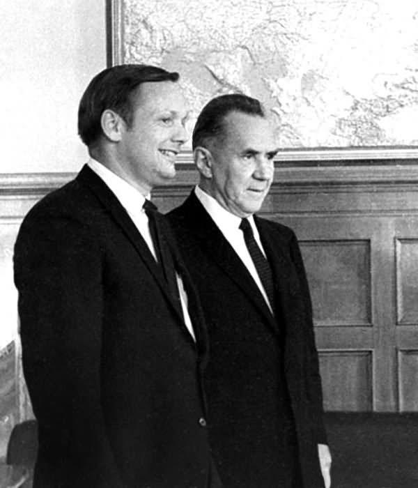 Армстронг (не композитор) и А. Н. Косыгин